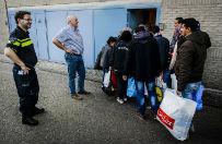 Holandia utworzy�a specjaln� jednostk� policji do ochrony uchod�c�w