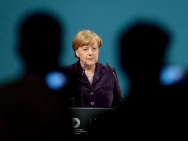 """""""Der Spiegel"""": decyzja Angeli Merkel o ponownej kandydaturze dopiero w 2017 r."""