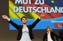 """Antyimigrancka i antyislamska AfD ro�nie w si��. Wed�ug sonda�u dla """"Bild"""" sta�a si� trzeci� si�� polityczn� w Niemczech"""