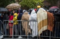 Jedna trzecia Niemc�w pozwoli�aby policji strzela� na granicy do uchod�c�w