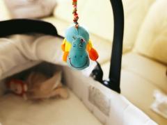 Najlepsze prezenty na pierwszą wizytę u noworodka