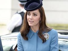Kate Middleton wraca do niebieskiego