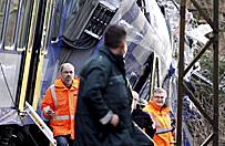 Akcja ratunkowa po zderzeniu poci�g�w w Niemczech