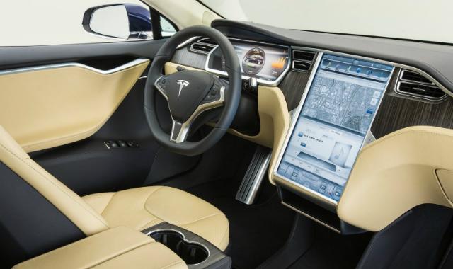 Kierowcy boj� si� nowych technologii w autach