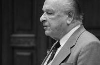 Odnaleziono raporty Kiszczaka z czasów, gdy służył w Londynie. Cenckiewicz: wystawiał osoby powracające do kraju na represje