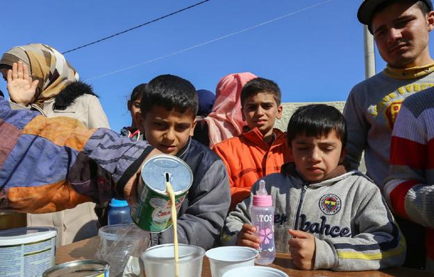 Dzieci w o�rodku dla uchod�c�w w Salonikach