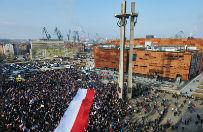 """Gda�sk: manifestacja KOD pod has�em """"Polska murem za Wa��s�"""""""
