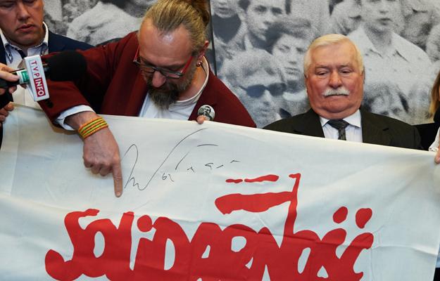 By�y prezydent RP Lech Wa��sa i  lider KOD Mateusz Kijowski