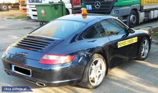 Sprowadzali Porsche jako pomoc drogow�. Rozbita grupa przest�pcza