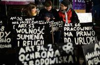 Przed KPRM protest Partii Razem ws. opublikowania wyroku TK