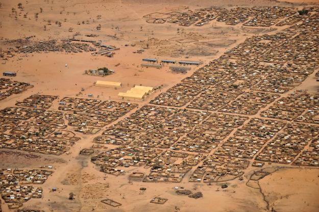 Ob�z dla uchod�c�w w Gaga w Czadzie w 2009 r. W�wczas go�ci� uciekinier�w z Darfuru
