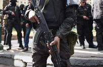 Sześciu policjantów zginęło w zamachu bombowym w Kairze