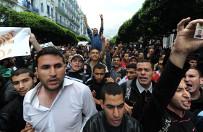 """Algieri� czekaj� powa�ne wyzwania. """"FA"""" ostrzega: bez reform t�umione niezadowolenie spo�eczne da o sobie zna�"""
