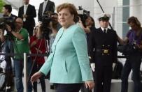 Merkel pod ostrza�em krytyki. Odpowie na pytania dziennikarzy