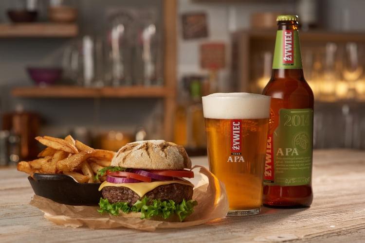 Żywiec APA idealnie pasuje do Burgera wołowego