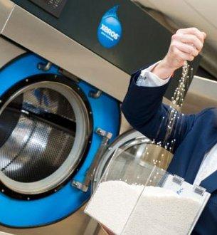 Ta pralka u�ywa polimerowych kulek zamiast wody