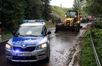 Podhale: zwały ziemi na drodze do Bukowiny Tatrzańskiej. Woda wystąpiła z koryt