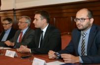 �wiatowy Kongres Politolog�w mia� by� w Stambule, ale przeniesiono go do Poznania. Ze wzgl�d�w bezpiecze�stwa