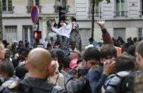 Francja: ewakuowano nielegalne obozowisko migrant�w na p�nocy Pary�a. U�yto pa�ek i gazu �zawi�cego
