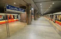 Kto� zgubi� drogie leki onkologiczne na stacji metra. Poszukiwany jest ich w�a�ciciel