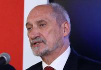 Macierewicz: przepraszam powsta�c�w za to, co wycierpieli w wyniku dezinformacji