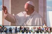 Jan W�jcik: papie� potrzebuje cudu w sprawie uchod�c�w i terroryzmu islamskiego