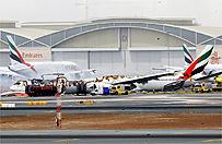 Awaryjne l�dowanie samolotu w Dubaju. Maszyna stan�a w p�omieniach