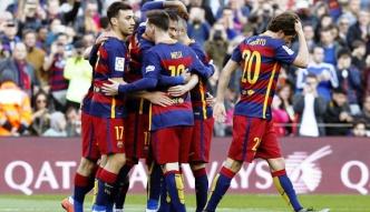 #dziejesiewsporcie: okładali się bez litości. Tak się bawią piłkarze Barcelony