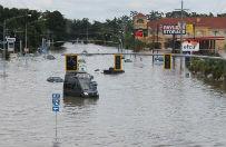 Ju� ponad 20 tys. ewakuowanych ofiar powodzi w Luizjanie
