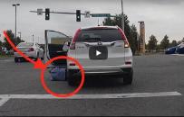 Kobieta przejecha�a sama siebie samochodem w absurdalny i �mieszny spos�b