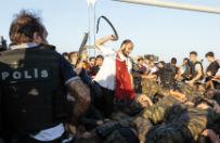 Quo vadis, Turcjo? Miesi�c po pr�bie puczu przez kraj wci�� przetacza si� fala represji