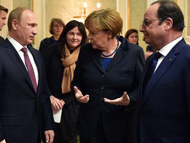 Francois Hollande, W�adimir Putin i Angela Merkel rozmawiali o sytuacji na wschodzie Ukrainy