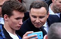 Prezydent Andrzej Duda ch�tnie rozmawia z internautami
