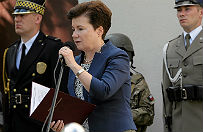 """Ekspert krytykuje zachowanie prezydent Warszawy ws. kryzysu reprywatyzacyjnego. """"Gdy milczy, g�os zabieraj� osoby, kt�re s� jej nieprzychylne"""""""