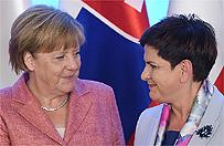 Kanclerz Niemiec Angela Merkel w Warszawie. Trwaj� rozmowy z premierami pa�stw Grupy Wyszehradzkiej