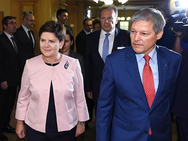 Beata Szyd�o w Rumunii. Na spotkaniu z Dacianem Ciolosem rozmawia�a o przysz�o�ci Unii Europejskiej po Brexicie