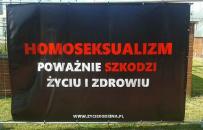 """""""Homoseksualizm zagra�a zdrowiu"""". Kontrowersyjna wystawa w Opocznie."""