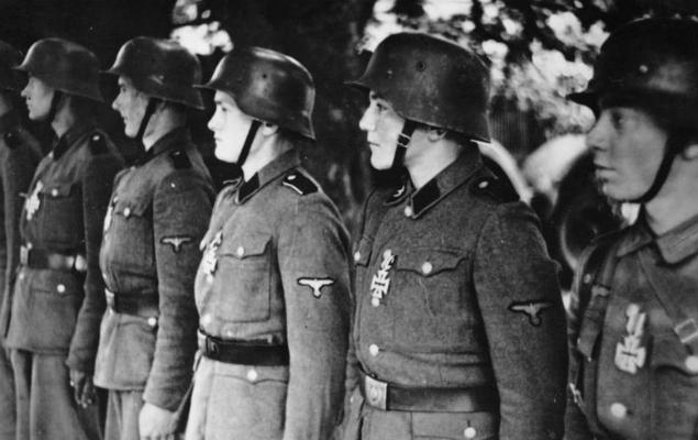 Nastoletni żołnierze z SS
