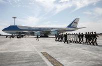 Barack Obama bez czerwonego dywanu w Chinach. Niezr�czne powitanie na szczycie G20 - pomy�ka czy celowe lekcewa�enie?