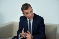 Andrzej Halicki: wyroki nale�y wykonywa�. Poprosz� Juli� Piter�, �eby zachowywa�a si� wed�ug standard�w