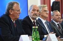 Politycy komentuj� konferencj� podkomisji badaj�cej katastrof� smole�sk�. Rabiej: mistrzostwo manipulacji