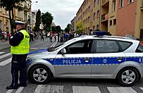 Wi�kszo�� Polak�w dobrze ocenia dzia�alno�� policji. Rosn� te� notowania CBA, ZUS i NFZ