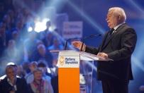 Lech Wa��sa �artuje z prezydenckiej emerytury. Co na to PiS?