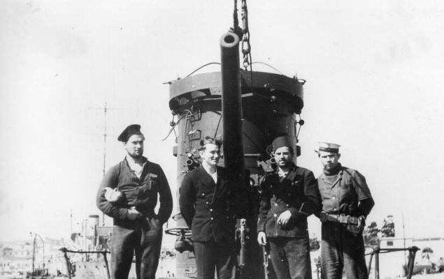 Członkowie załogi ORP