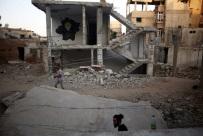"""Aleppo: mimo """"przerwy humanitarnej"""" nadal trwaj� walki"""