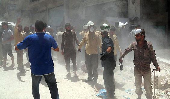 """""""Białe kaski"""" z Aleppo ratują ludzi uwięzionych pod gruzami"""