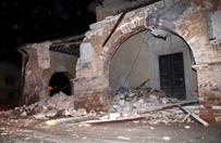 Trz�sienie ziemi we W�oszech. Du�e zniszczenia po silnych wstrz�sach