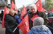 Protest przed siedzibą PiS. Ikonowicz: te zmiany oznaczają masowe eksmisje na bruk i rugi społeczne