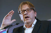 """Guy Verhofstadt w """"Handelsblatt"""": Polska Donaldem Trumpem Europy"""