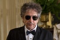 Bob Dylan nie odbierze osobiście Nagrody Nobla. Nie on pierwszy